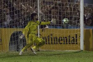 Romero foi o responsável por dar ao Corinthians a classificação em SC