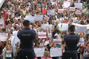 A Prefeitura de Santos irá cortar o ponto dos servidores em greve