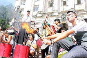 Reajuste salarial tem mobilizado servidores em atos públicos, manifestações e agora em greve por setores
