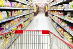 O item alimentação passou de uma inflação de 0,34% em janeiro para uma deflação de 0,45% em fevereiro