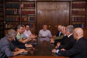 A reunião do presidente Michel Temer  com integrantes do governo e da base aliada na Câmara dos Deputados durou cerca de três horas