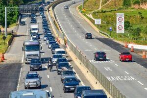 Na Rodovia dos Tamoios, cerca de 110 mil veículos devem utilizar as pistas rumo ao litoral norte no fim de semana prolongado em comemoração ao Dia do Trabalho