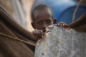 Criança da Somália  país que enfrenta uma longa seca e pode passar por uma grave crise de fome no segundo semestre de 2017