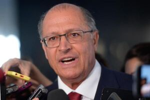 """O governador Geraldo Alckmin (PSDB) sancionou na sexta-feira (31) a lei que altera a denominação para """"especiais"""" de servidores comissionados na Alesp"""