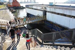 Vereadores acreditam que construção de atracadouros no canal entre o Centro e Vicente de Carvalho seria ideal