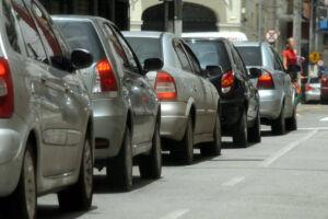 Até o fim do ano, carros brasileiros terão etiqueta sobre consumo