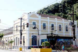 A sede da CET fica na Av. Rangel Pestana, 126, Vila Mathias