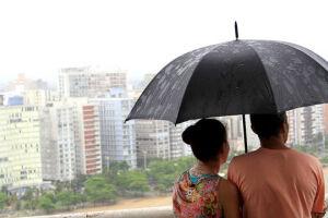 Somente na região sudeste e no litoral sul é que deve haver precipitações isoladas