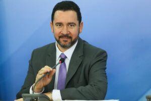 Dyogo Oliveira afirmou que 'cada centavo tirado faz falta na reforma'