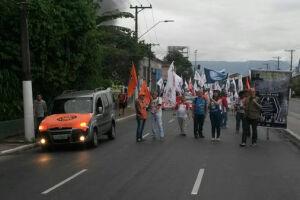Centrais seguem em direção ao Centro de Santos