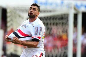 Gilberto marcou duas vezes na vitótia por 5 a 0 contra o Linense