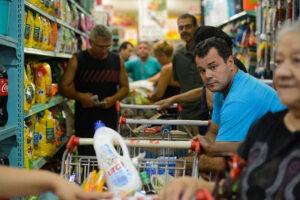 Queda da inflação pode reduzir preços de produtos alimentícios