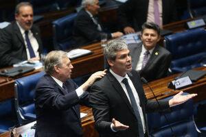 Lindbergh Farias (RJ) disse a apoiadores que manterá sua candidatura à presidência do partido