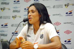 O retorno da meia-atacante Marta ao Santos esquentou no último final de semana