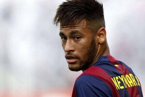 Desta vez, Neymar encontra plena satisfação em campo