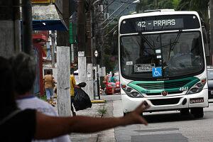 Ônibus e VLT voltam a circular em Santos