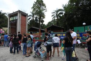 O Orquidário de Santos fica localizado na Praça Washington s/nº, José Menino