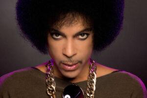 Prince morreu no dia 21 de abril de 2016, aos 57 anos, em sua propriedade em Paisley Park, em Minnesota
