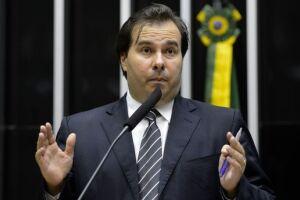 Rodrigo Maia (DEM-RJ) seria um dos beneficários da empreiteira