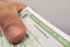 Segundo o TSE, em todo o país, mais de 1,8 milhão de eleitores estão com seus títulos irregulares
