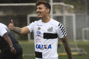 Zeca foi o único desfalque na reapresentação do Santos