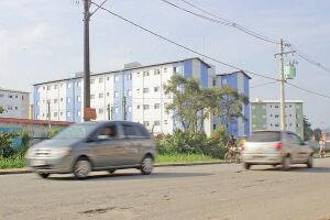 De acordo com a Secretaria de Habitação (Sehab), os serviços estão em fase final de execução. Atualmente, são realizadas ações de infraestrutura fora do empreendimento