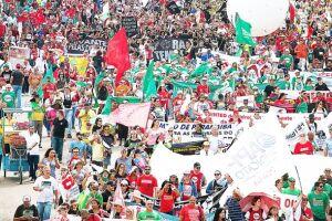 Mais de 100 mil pessoas participaram da Marcha em Brasília contra as reformas trabalhista e previdenciária