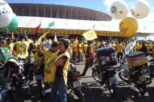 Nove centrais sindicais e centenas de sindicatos de todo País, sendo mais de vinte só da Baixada Santista, participam das manifestações