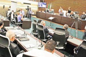 Mesa Diretora da Câmara havia proposto que projeto fosse adiado por quatro sessões, mas vereadores rejeitaram o pedido e aprovaram o texto em segunda discussão
