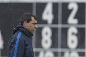 O técnico do Timão ainda exaltou Mano Menezes e Tite por chegar onde chegou