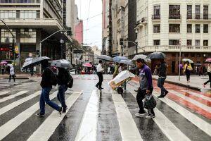 Abril teve chuva acima da média e tardes mais frias em São Paulo