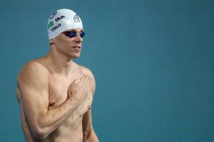 Cesar Cielo caiu na água para disputar uma de suas especialidades no Troféu Maria Lenk
