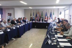 A sugestão de Alberto Mourão ganhou adesão dos prefeitos do Litoral Sul e será enviada para o Governo do Estado