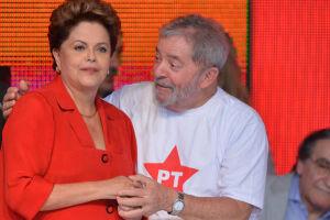 Dilma viaja a São Paulo para discutir crise com Lula