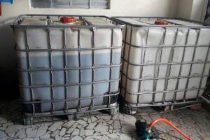Em Vicente de Carvalho, os policiais recolheram 700 litros de óleo diesel em dois tanques