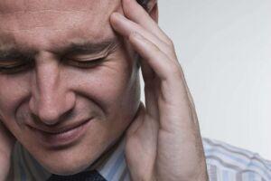 Mais de 80% das pessoas que sofrem de dor de cabeça se automedicam