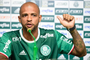Felipe Melo, suspenso por seis jogos na Copa Libertadores, desfalca o Verdão