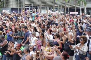 Servidores de Cubatão protestaram todos os dias em frente aos prédios do executivo e do legislativo