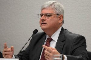 Rodrigo Janot vê indícios da existência de três crimes