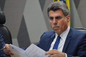 Romero Jucá afirmou que Michel Temer não vai renunciar porque não há motivo