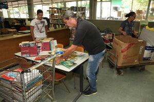 A equipe do Leia Santos continua com a companha para a arrecadação de livros