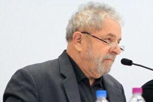 A força-tarefa da Operação Lava Jato denunciou o ex-presidente Lula por corrupção e lavagem no sítio de Atibaia