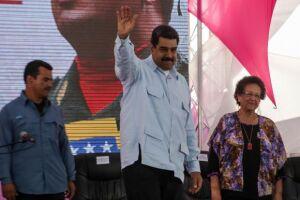 Nicolás Maduro elogia declarações do papa Franciscopelo diálogo político na VenezuelaE