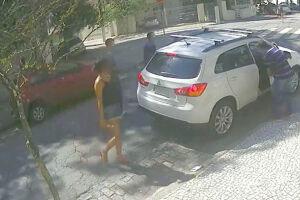 Os assaltantes dominaram a vítima na Praça Fernandes Pacheco em 26 de março
