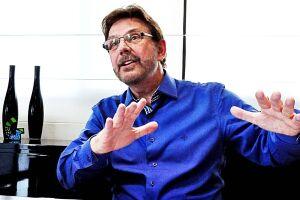 Alberto Mourão, voltou a defender, ontem, o reajuste salarial apresentado ao funcionalismo