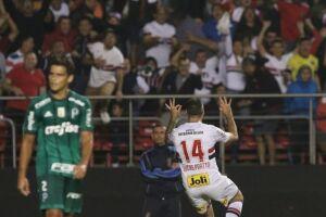 Com o triunfo, o São Paulo chega aos seis pontos, o dobro do Palmeiras