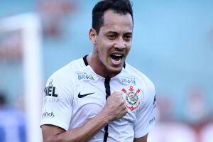 Rodriguinho fez o único gol corintiano na partida