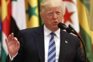 Donald Trump disse no Twitter que vai tomar uma decisão quanto ao acordo de Paris