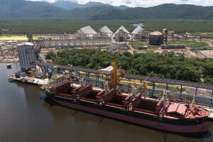 Cava subaquática integra o projeto de dragagem do canal de Piaçaguera e visa permitir o acesso de grandes navios aos terminais da VLI e também da Usiminas
