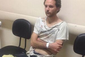 Segundo relatos à reportagem, Andreas se revoltou contra a internação e teria quebrado um dos vidros da portaria antes de ser contido por funcionários da clínica